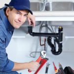 Waar moet je op gaan letten als je een loodgieter aan de slag laat gaan in je woning? Een aantal reparaties die je kunt laten uitvoeren